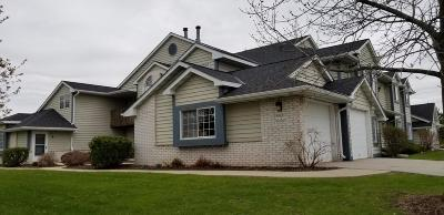 Pewaukee Rental For Rent: W240n2532 E Parkway Meadow Cir #7
