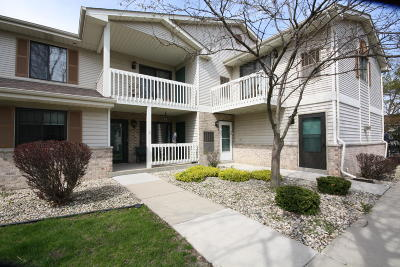 Kenosha Condo/Townhouse Active Contingent With Offer: 7311 98th Ave #C