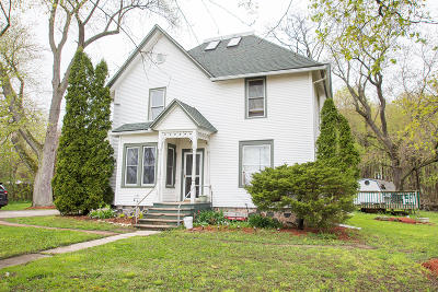 Mukwonago Single Family Home Active Contingent With Offer: 34608 Janesville Dr