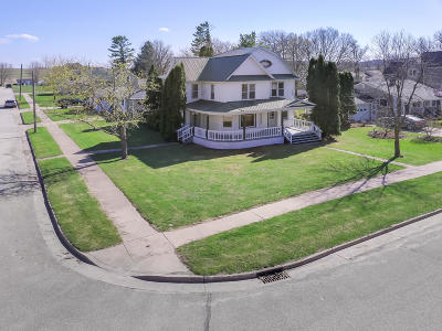 Blair Single Family Home Active Contingent With Offer: 205 W 2nd St