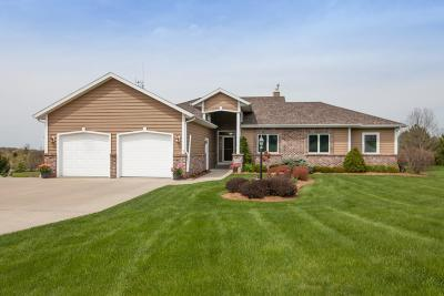 Oconomowoc Single Family Home Active Contingent With Offer: N743 Hickory Hills Dr