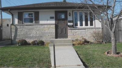 Racine Single Family Home Active Contingent With Offer: 1532 Oregon St