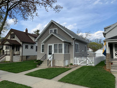 Milwaukee Single Family Home For Sale: 3460 S Indiana Ave