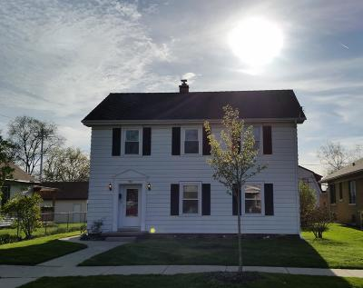 Waukesha Single Family Home For Sale: 704 S Grand Ave