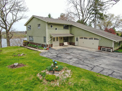 East Troy Single Family Home For Sale: W1954 Pastime Ln