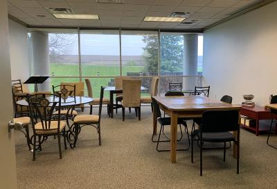 Pewaukee WI Commercial For Sale: $299,000