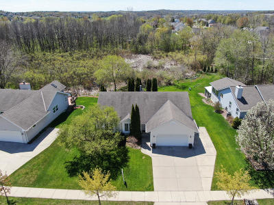 Waukesha Single Family Home Active Contingent With Offer: 2903 W Willard Ln