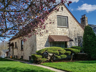 West Allis Single Family Home For Sale: 5825 W Fillmore Dr