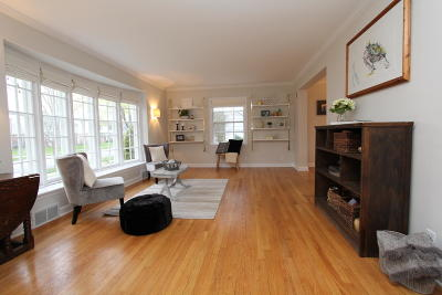 Shorewood Single Family Home For Sale: 4412 N Sheffield Ave