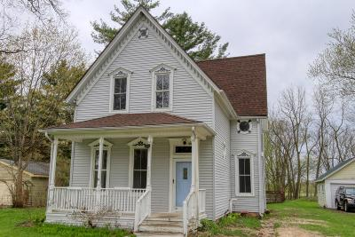 Sharon Single Family Home For Sale: 173 Prairie St