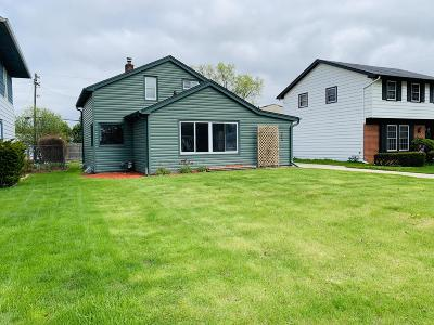 Milwaukee County Single Family Home Active Contingent With Offer: 824 S 109th St