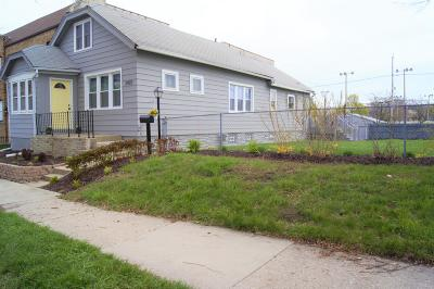 Milwaukee Single Family Home For Sale: 2422 S Logan Ave