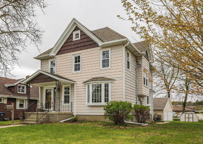 Mayville Single Family Home Active Contingent With Offer: 269 S Walnut St