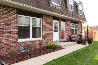 West Bend Condo/Townhouse Active Contingent With Offer: 1942 Camden Ln