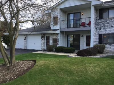 Kenosha Condo/Townhouse Active Contingent With Offer: 1416 30th Avenue