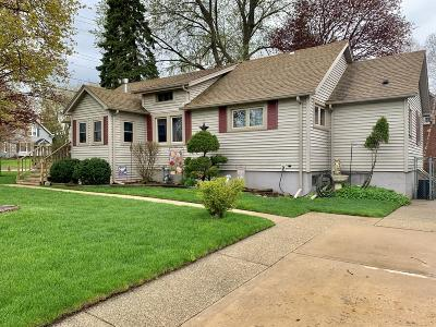 Kenosha Single Family Home Active Contingent With Offer: 5912 56th Ave