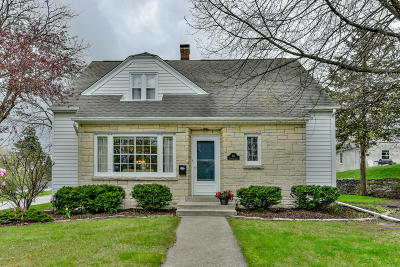 Waukesha Single Family Home Active Contingent With Offer: 311 Frederick St