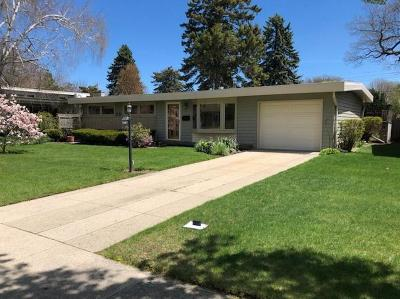 Kenosha Single Family Home Active Contingent With Offer: 7939 17th Ave