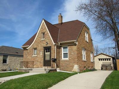 Sheboygan Single Family Home For Sale: 2211 Kohls Ct