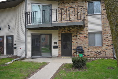 Germantown Condo/Townhouse For Sale: W170n11427 Armada Dr. #8