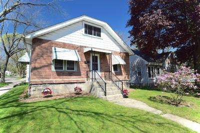 Milwaukee Single Family Home Active Contingent With Offer: 2779 S 48th St