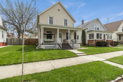 Racine Single Family Home For Sale: 1525 Quincy Ave