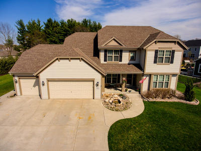 Pewaukee Single Family Home Active Contingent With Offer: W273n2420 Arlington Ct