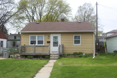Milwaukee Single Family Home For Sale: 5361 N 50th St