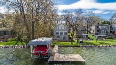 Pewaukee Single Family Home Active Contingent With Offer: 433 Park Ave