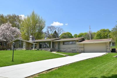 Milwaukee County Single Family Home For Sale: 3227 N Menomonee River Pkwy