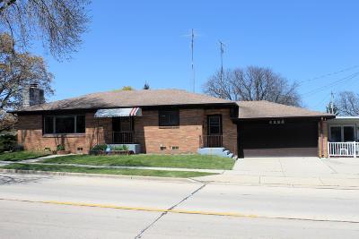 Racine Single Family Home For Sale: 4222 Kinzie Ave