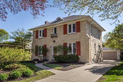 Wauwatosa Single Family Home For Sale: 2510 N Harding Blvd