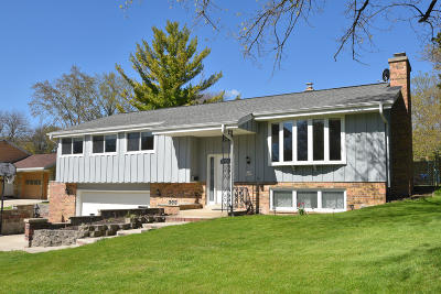 Menomonee Falls Single Family Home Active Contingent With Offer: W160n8793 Patton Dr