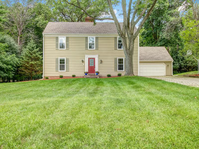Waukesha County Single Family Home For Sale: 307 White Pine Rd