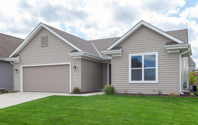 West Bend Single Family Home Active Contingent With Offer: 318 Reeds Dr.