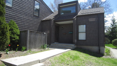 Milwaukee Condo/Townhouse For Sale: 9270 N 70th St