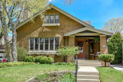 Shorewood Single Family Home For Sale: 4474 N Frederick Ave