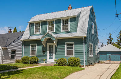 Milwaukee Single Family Home Active Contingent With Offer: 7728 W Mount Vernon Ave