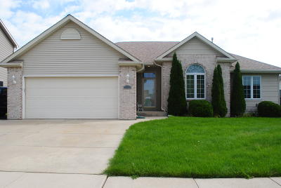 Kenosha Single Family Home For Sale: 1611 24th Ave.