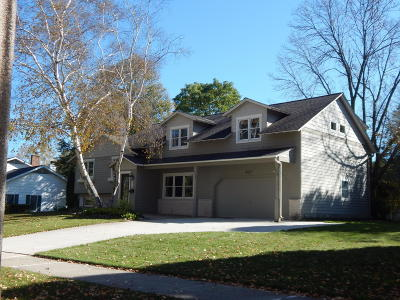 Kohler Single Family Home Active Contingent With Offer: 627 School Street