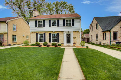 Wauwatosa Single Family Home For Sale: 2642 N 90th St
