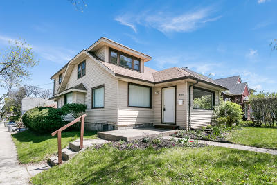 Milwaukee Single Family Home For Sale: 5727 W Wright St