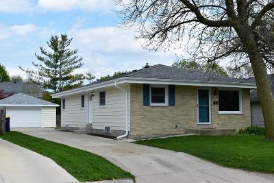 West Allis Single Family Home Active Contingent With Offer: 1028 S 121st St