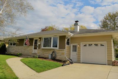 Menomonee Falls Single Family Home Active Contingent With Offer: N85w16105 Donald Ct