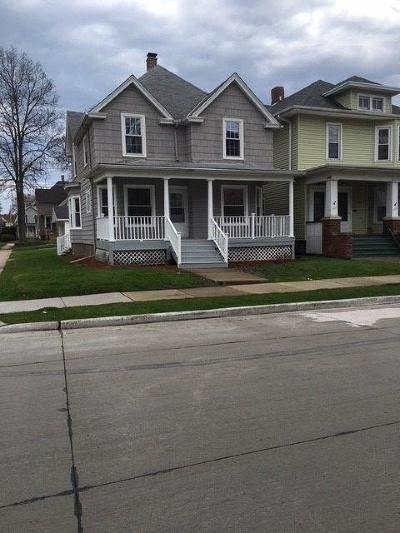 Racine Single Family Home For Sale: 1501 Grange Ave