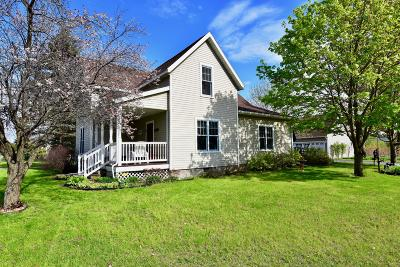 Trempealeau Single Family Home For Sale: 24097 3rd St