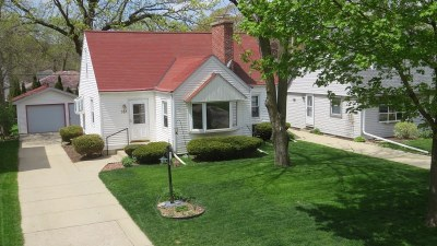 Wauwatosa Single Family Home For Sale: 527 N 113th St