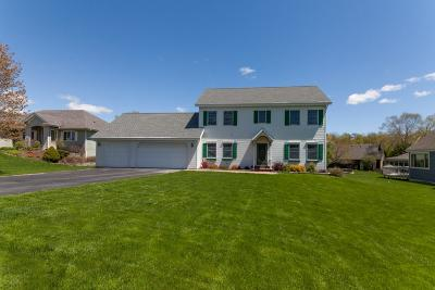 Lake Mills Single Family Home Active Contingent With Offer: N6489 Shorewood Meadows Dr