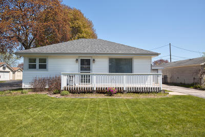 Milwaukee Single Family Home For Sale: 3266 S 84th St
