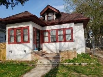 Milwaukee Single Family Home For Sale: 3452 N 16th St